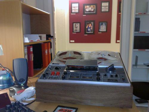 En ljudbandspelare inne på mitt kontor.